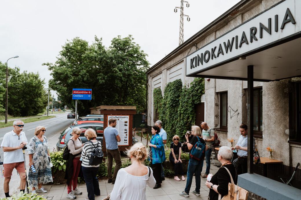 Na wycieczki wyruszamy zawsze z Kinokawiarni Stacja Falenica, fot. Radek Zawadzki, DSH